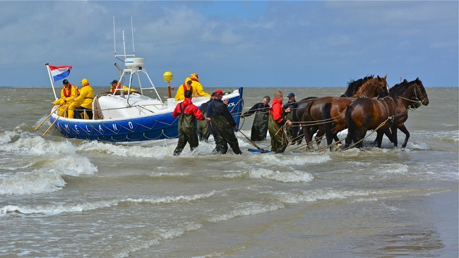 Demonstratie paardenreddingboot